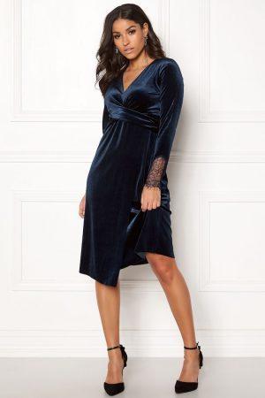 Mørkeblå fløjl kjole