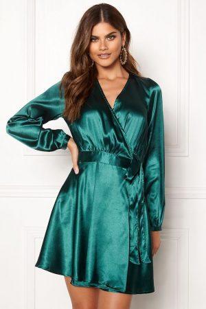 Mørkegrøn kort festkjole