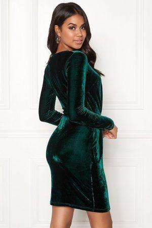 Mørkegrøn flatterende kjole i fløjl