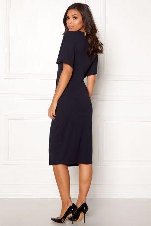 Smuk mørkeblå kjole