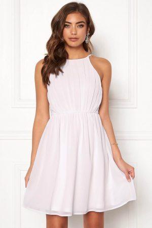 Smuk kjole med superfine detaljer fra MAKE WAY - TopLady